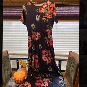 Nice navy dress!💙